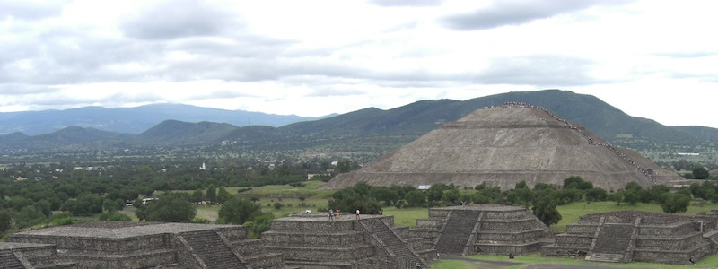 Photo of the Pyramid of the Sun in Teotihuacan